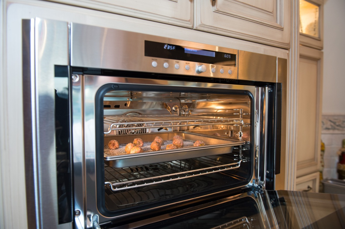 Kitchen The New Go To Oven In The Kitchen Wolfs Convection